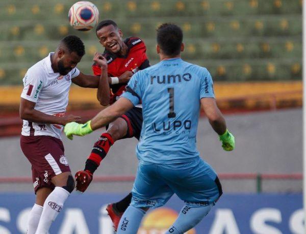 Ituano e Ferroviária empatam sem gols no Canindé