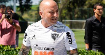 Após seis duelos em 2019, Corinthians reencontra Jorge Sampaoli