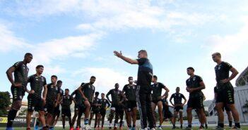 Botafogo encara Fortaleza no Nordeste atrás da primeira vitória no Brasileirão