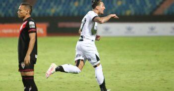 Ceará vence o Atlético-GO fora de casa em confronto direto contra a zona do rebaixamento