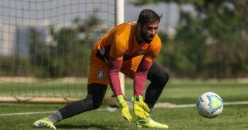 com desconforto muscular, Muriel desfalca time contra o Vasco