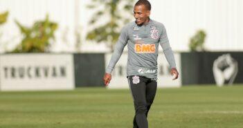 Corinthians enfrenta o Fortaleza e vive expectativa pela estreia de Otero