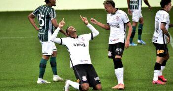 Corinthians vence Coritiba em jogo com pênalti perdido 2 vezes