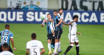 Diego Souza perde pênalti, e Grêmio e Corinthians empatam sem gols
