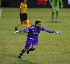Nos pênaltis, Vasco vence Goiás fora de casa e se classifica na Copa do Brasil