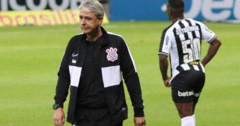 Tiago Nunes admite queda física, reclama de pênalti e diz que Luan volta ao time contra o Grêmio