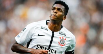 Corinthians consegue efeito suspensivo, e Jô está liberado para atuar contra o Sport