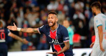 """Neymar chama rival de """"babaca"""" e se arrepende de """"não ter dado na cara"""""""