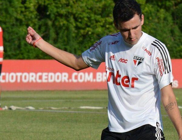 Pablo treina novamente no São Paulo e deverá reforçar o time contra o River