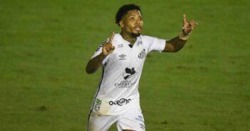 Santos vence o Atlético-MG com um a mais no reencontro com Sampaoli