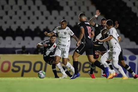 Atlético Mineiro e São Paulo tropeçam no Brasileirão 2020